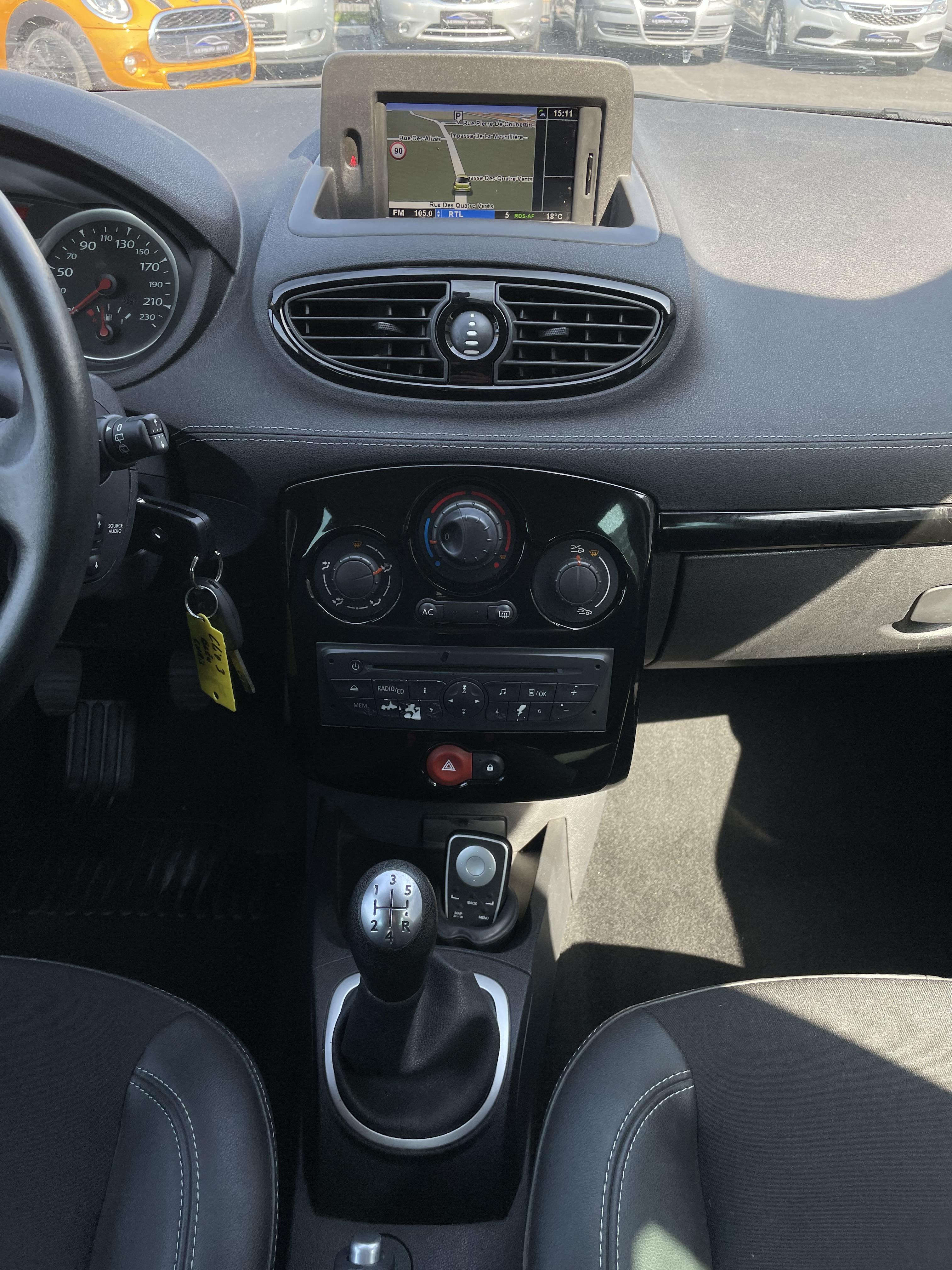 Clio III 1 5 dCi 75 GPS TEL CLIM REGUL 130 000 KMS