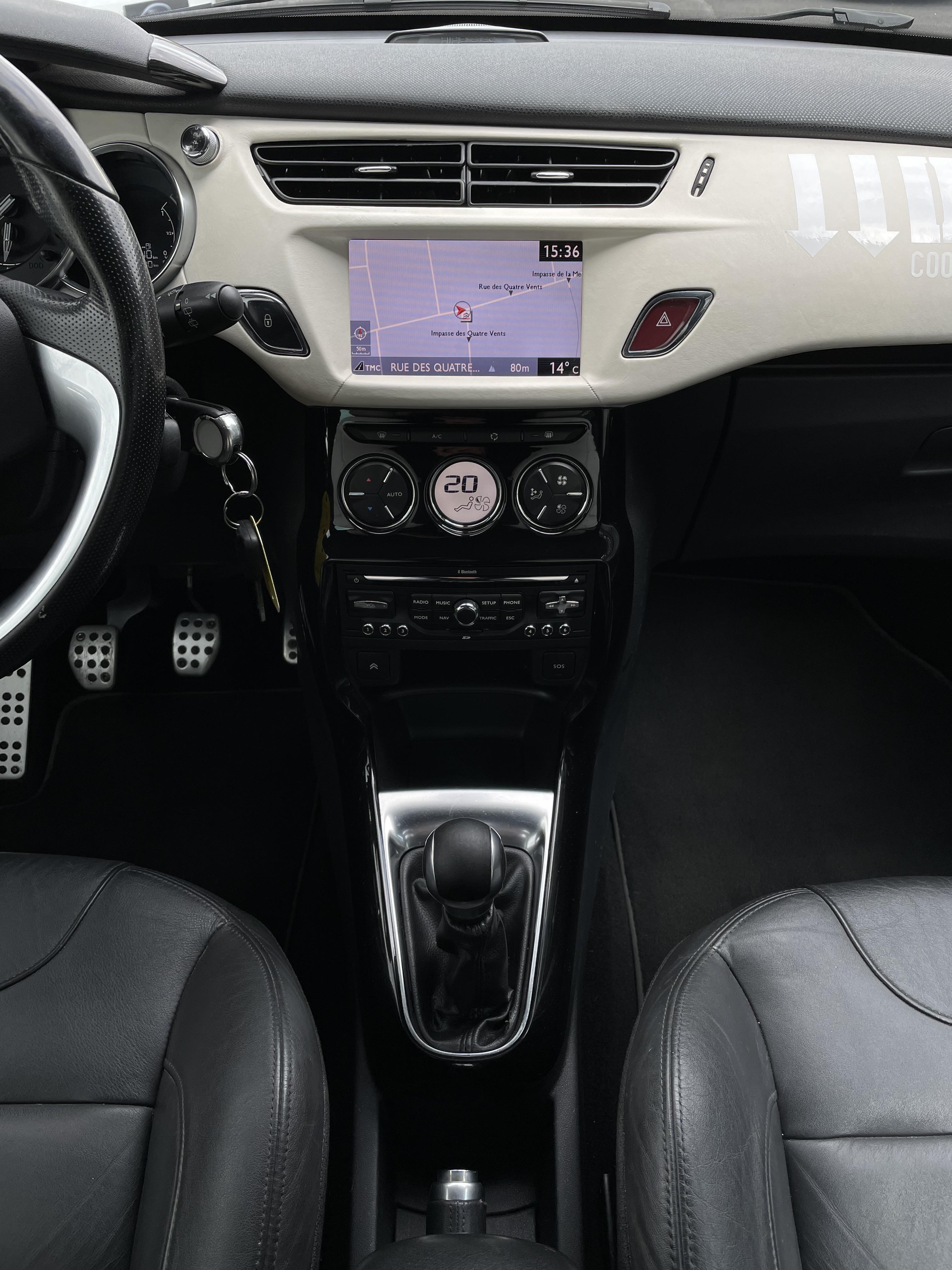 DS 3 1 6 e-hdi 92 GPS CUIR BRACELET LED HIFI